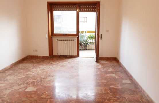 Palazzina in cortina quarto piano con terrazzo