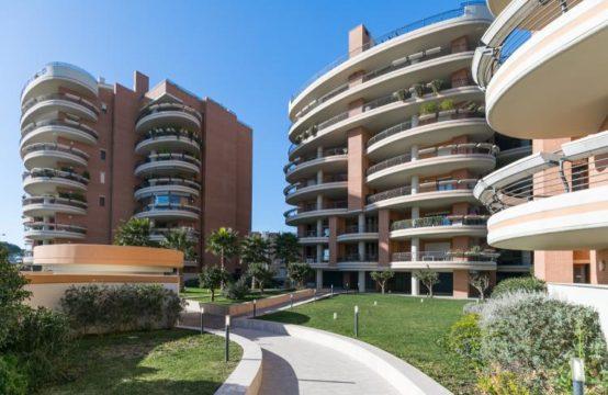 Nuove costruzioni Rinascimento III, fronte parco, ampio bilocale con terrazzo, cantina e box