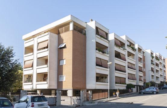 Recenti costruzioni, terzo piano completo di terrazzo, cantine, box e posti auto