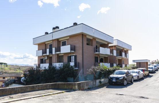 Recenti costruzioni, quadrilocale panoramico con terrazzi e box auto doppio