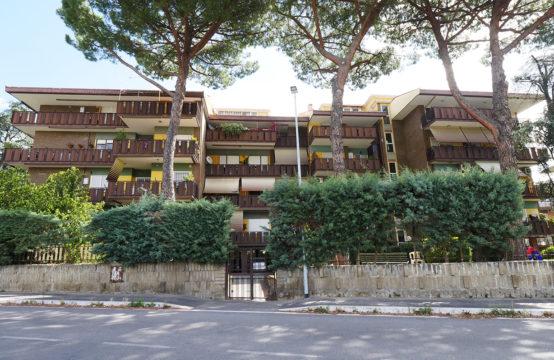 Complesso signorile con piscina condominiale, terzo piano con terrazzo