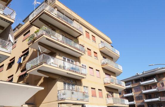 Trilocale con terrazzo abitabile e balcone