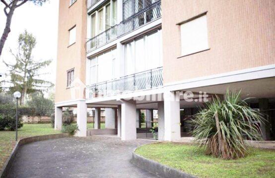 Complesso residenziale in cortina, quadrilocale con balcone, cantina e p.auto